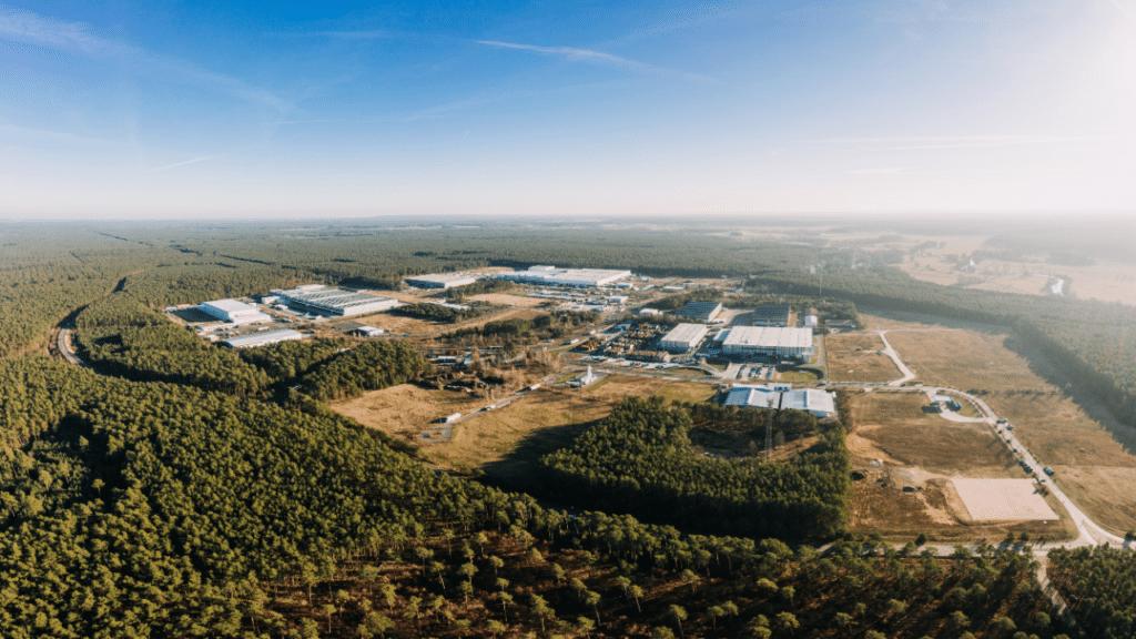 Tesla Baustelle Arbeitsschutz Brandenburg