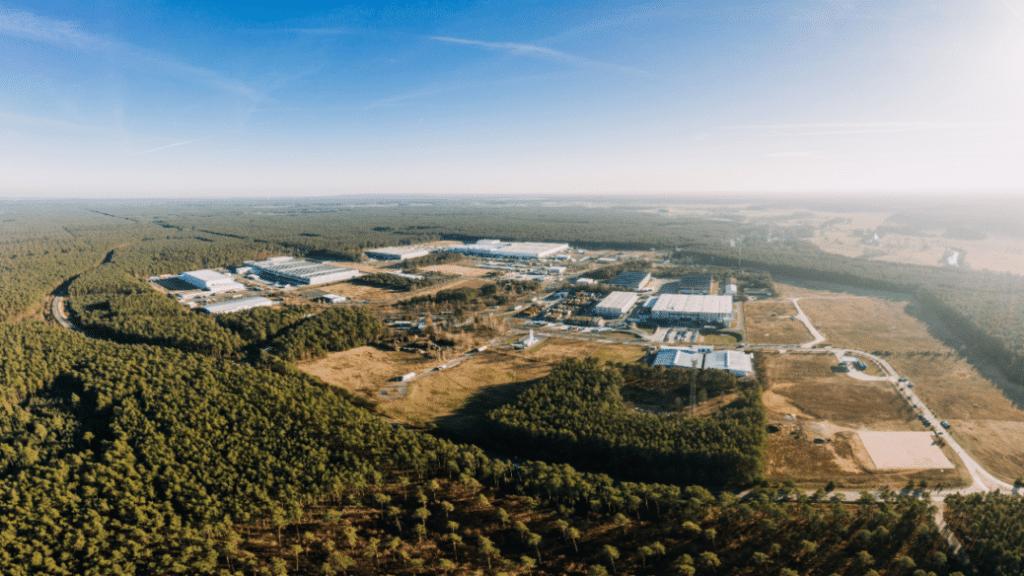 Tesla-Fabrik Gutachten Gefahr Brände Explosionen giftige Reizgase