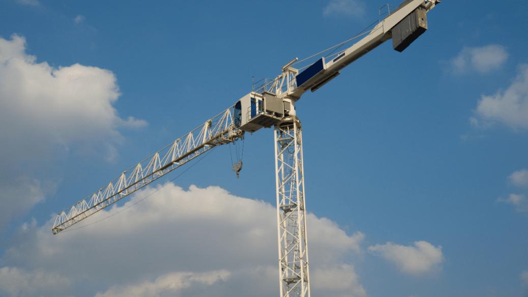 Tod im Rohbau: Kran fällt auf Arbeiter in Göttingen-Esebeck